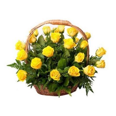 Корзина из 25 желтых роз