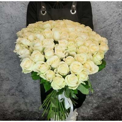 Букет 101 белая роза 50 см