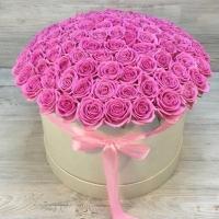 Шляпная коробка из 101 розовой розы