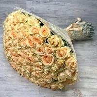 Букет из 101 кремовой розы (60 см)