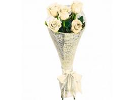 Букет из 5 белых роз