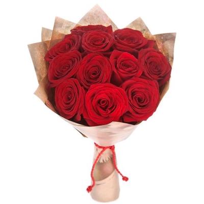 11 роз красных (60 см)