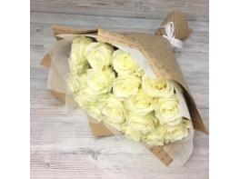 Букет из 29 белых роз (50 см)