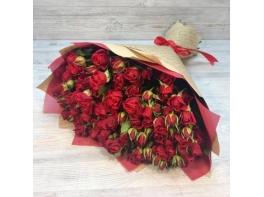 Букет из 29 красных кустовых роз