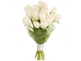 Белые тюльпаны 15 шт с атласной лентой