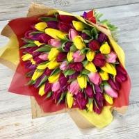 Букет из 51 разноцветного тюльпана №4