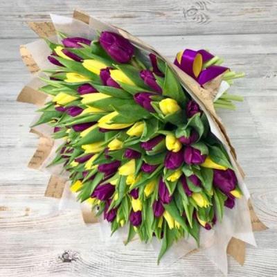 Букет из 101 желтого и сиреневого тюльпана №3