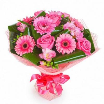 Букет из герберы и розы «Мелодия нашей любви»