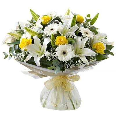 Букет с лилий с розами и гербами «Лиатрис»