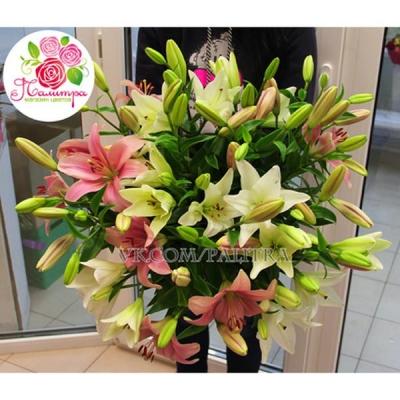Букет из 15 лилий розовых и белых