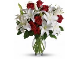 Букет с лилиями и розами «Рубины»