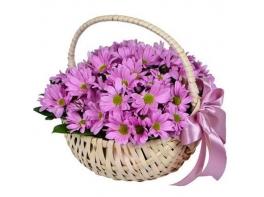 Корзина с хризантемами «Сладкое мгновение»