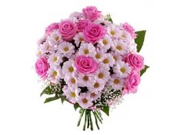Букет с хризантемами и розами «Самой милой»
