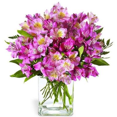 Букет с розовой альстромерией «Волшебство»
