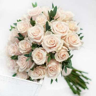 Свадебный букет невесты с кремовыми розами №279