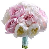 Букет невесты с розовыми и белыми пионами №69