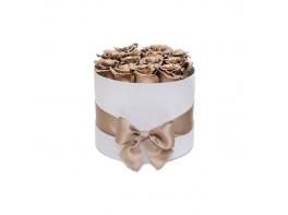 15 золотых роз в шляпной коробке
