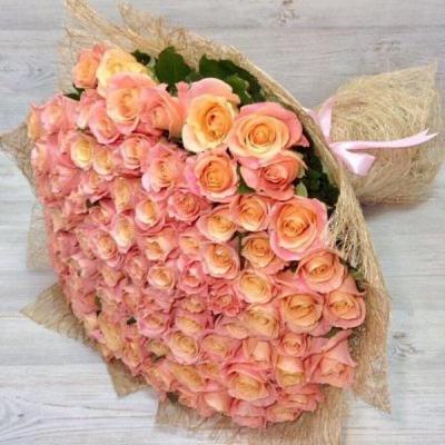 Букет из 101 коралловой розы (70 см)