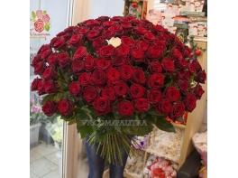 Букет 101 роза «Гран-при» 90см