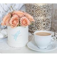 Розы «Капуччино» в коробке