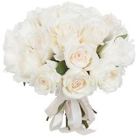 Букет невесты 15 белых пионовидных роз