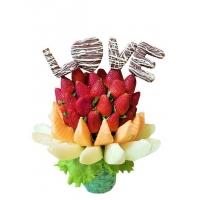 Букет из фруктов и клубники №9