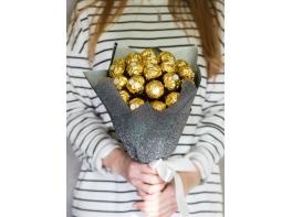 Сладкий букет из конфет Ферреро Роше №3