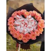 Букет из роз и рафаэлло №12